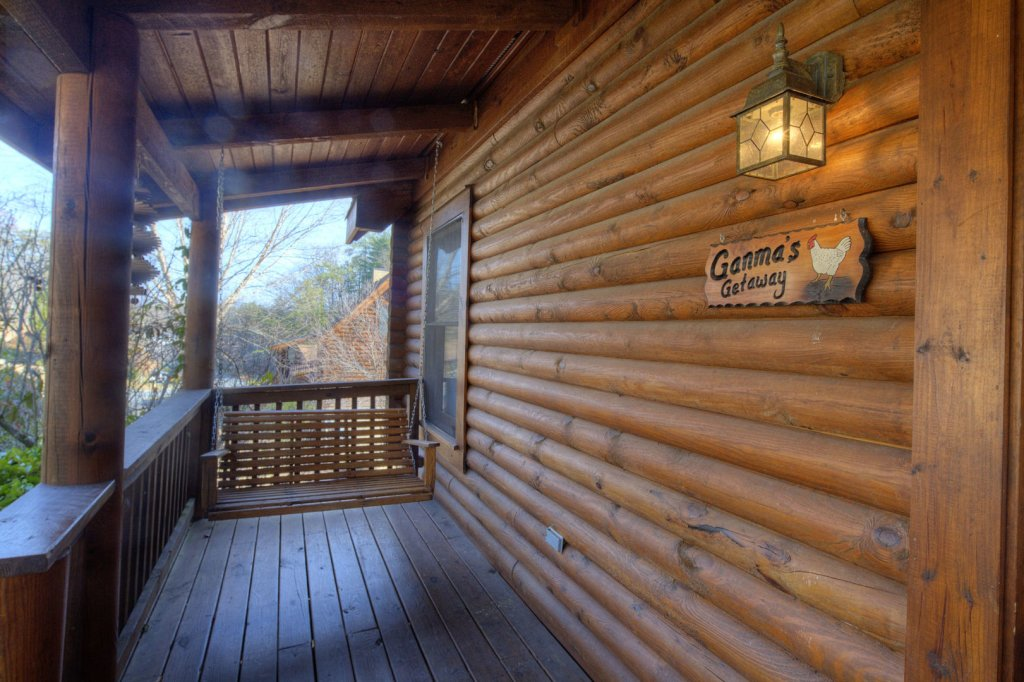 Photo of a Pigeon Forge Cabin named  Ganma's Getaway - This is the twenty-second photo in the set.