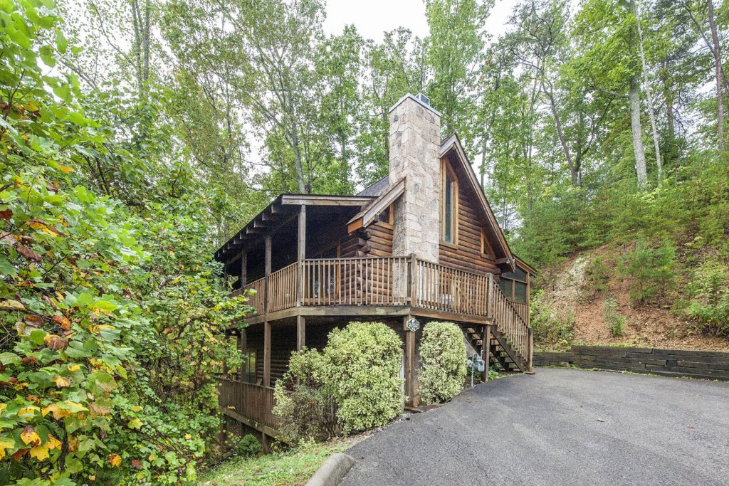 Photo of a Pigeon Forge Cabin named  Ya'll Come Back Now - This is the first photo in the set.