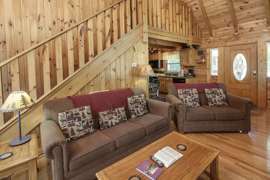 Photo of a Pigeon Forge Cabin named  Heavenly Peace - This is the seventh photo in the set.