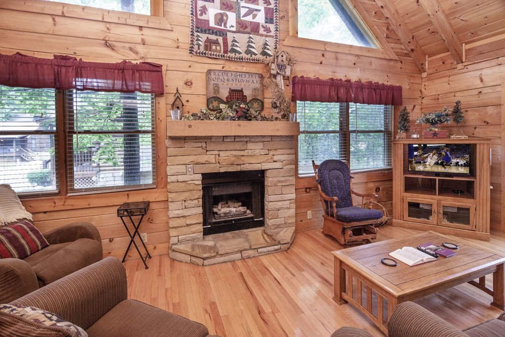 Photo of a Pigeon Forge Cabin named  Heavenly Peace - This is the fifth photo in the set.