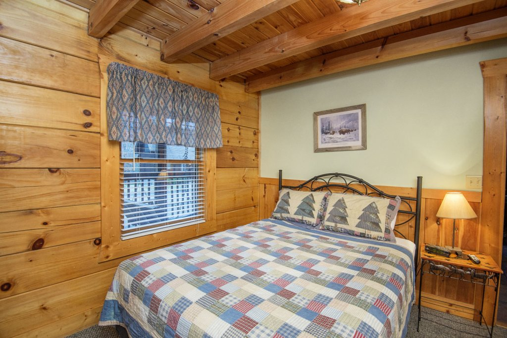 Photo of a Pigeon Forge Cabin named  Heavenly Peace - This is the nineteenth photo in the set.