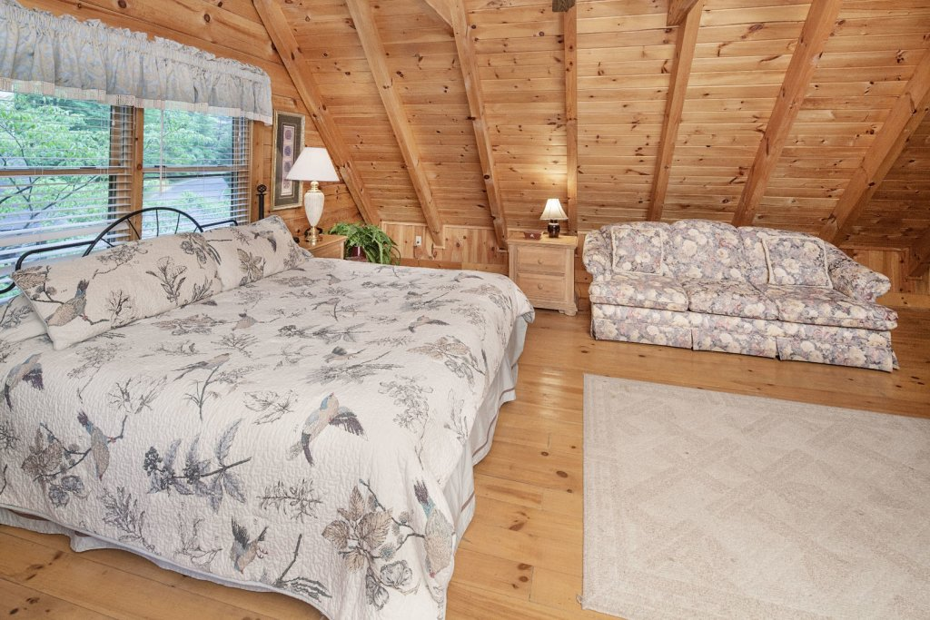 Photo of a Pigeon Forge Cabin named  Heavenly Peace - This is the fifteenth photo in the set.