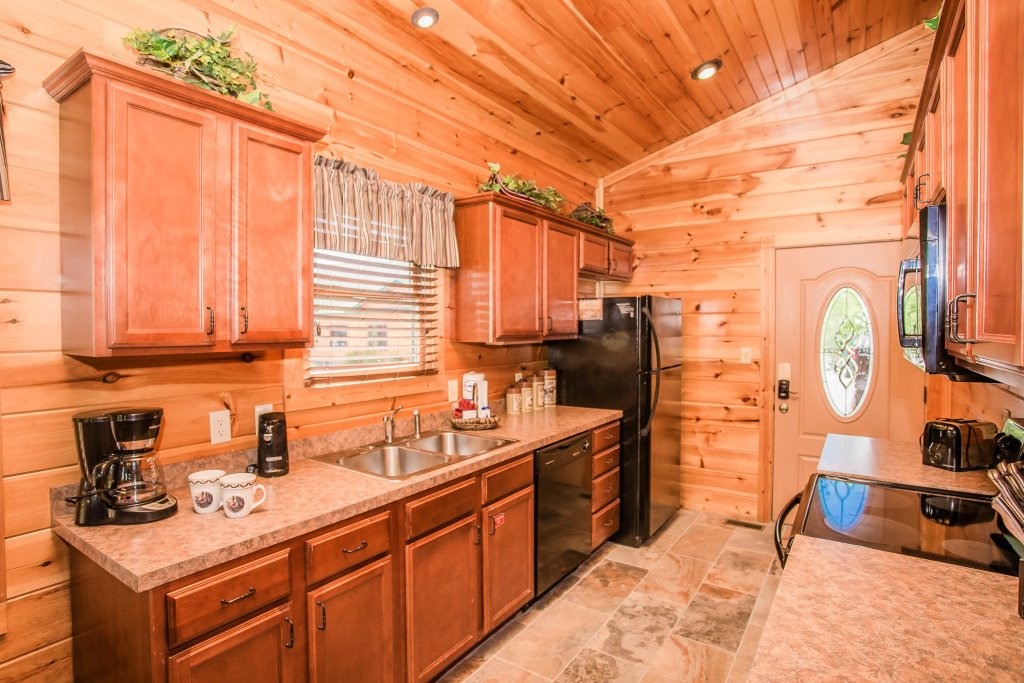 Photo of a Gatlinburg Cabin named Heavenly Hilltop Getaway - This is the thirteenth photo in the set.
