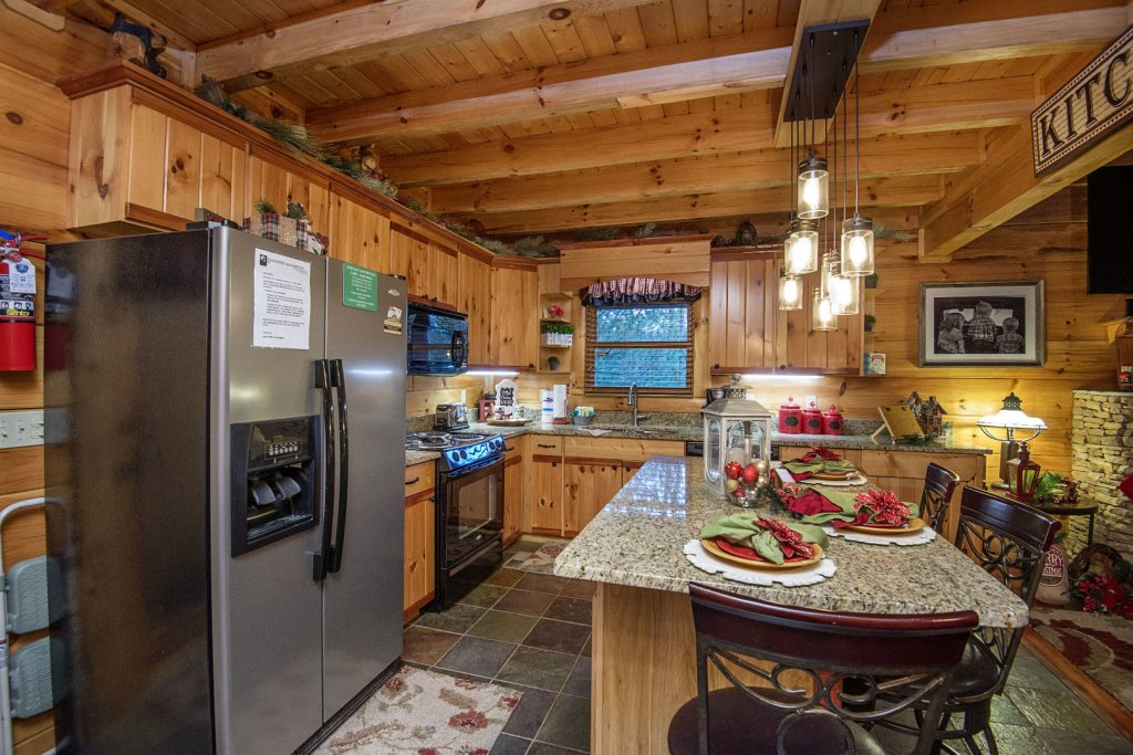 Photo of a Sevierville Cabin named Liam's Retreat - This is the tenth photo in the set.