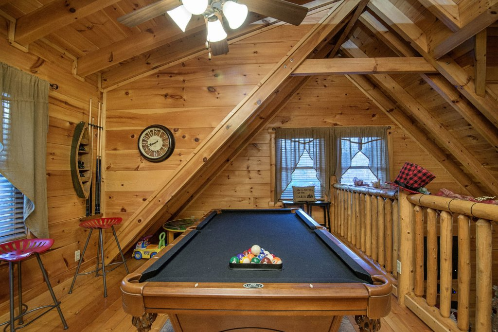 Photo of a Sevierville Cabin named Liam's Retreat - This is the thirtieth photo in the set.