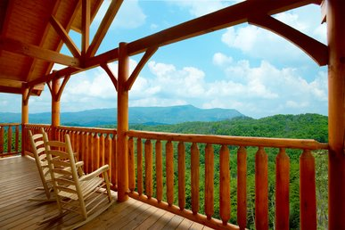 Enjoy Incredible Mountain Views From You Spacious 3 Bedroom Cabin - Sleeps 10