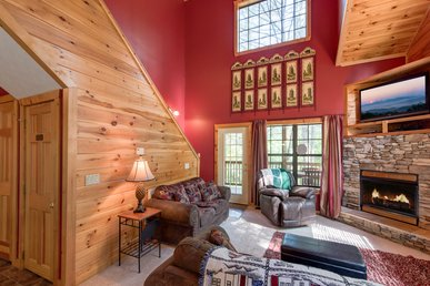 Chipmunk Chase,  2 Bedrooms, Hot Tub, Pool Table, Fireplace,  Sleeps 8