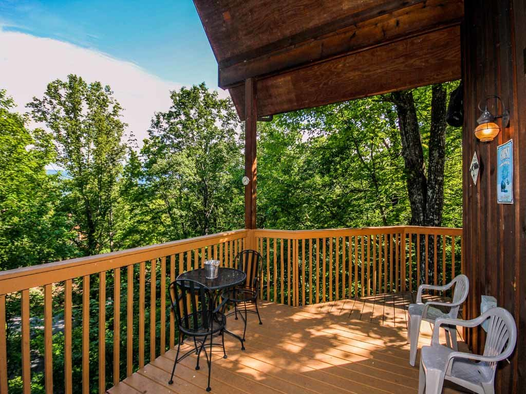 Photo of a Gatlinburg Cabin named Bear Country Cabin - This is the twenty-second photo in the set.