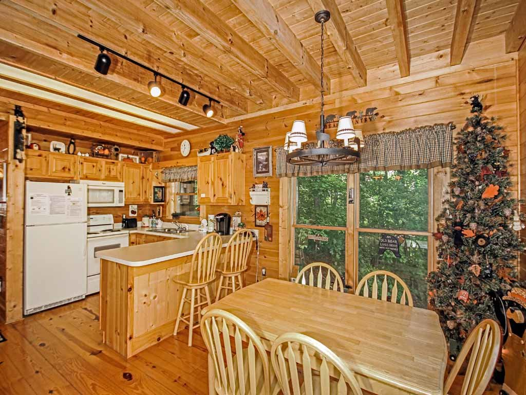 Photo of a Gatlinburg Cabin named Bear Country Cabin - This is the sixth photo in the set.