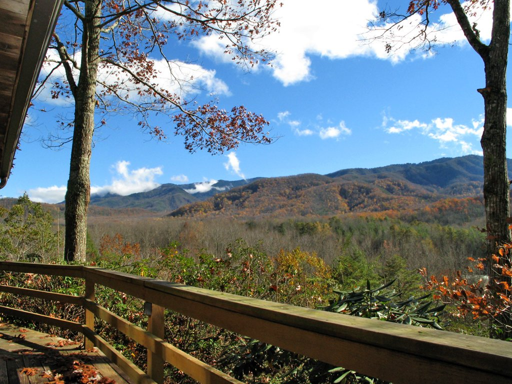 Photo of a Gatlinburg Cabin named Seneca - This is the fourteenth photo in the set.