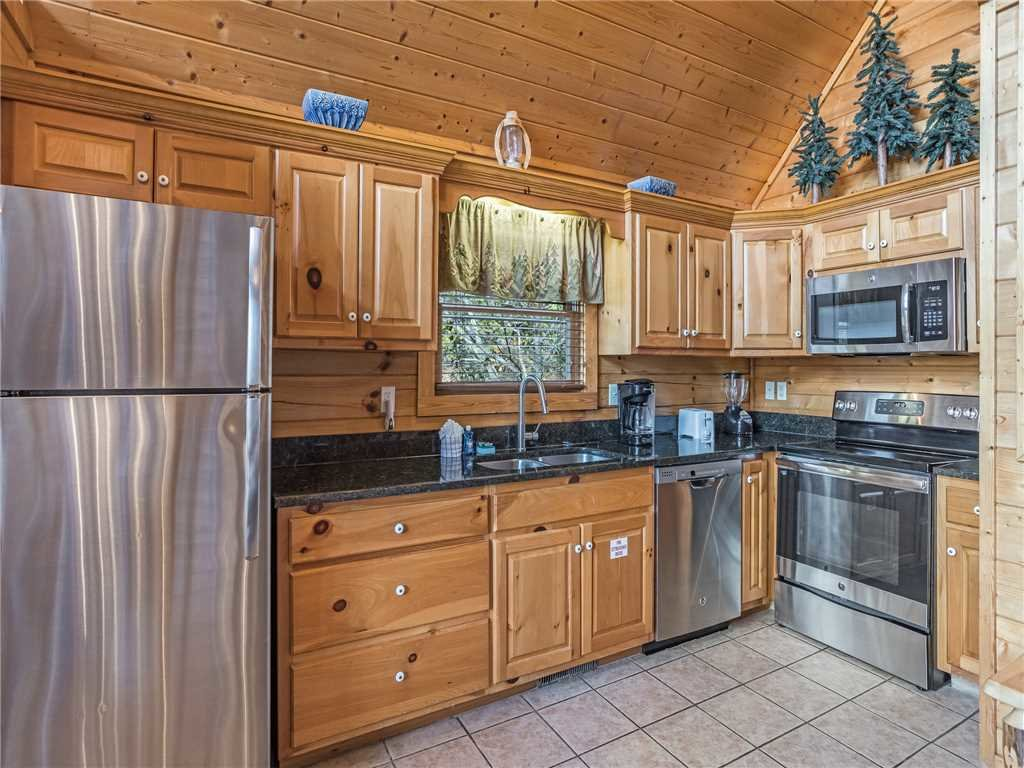 Photo of a Gatlinburg Cabin named Saddle Ridge - This is the ninth photo in the set.