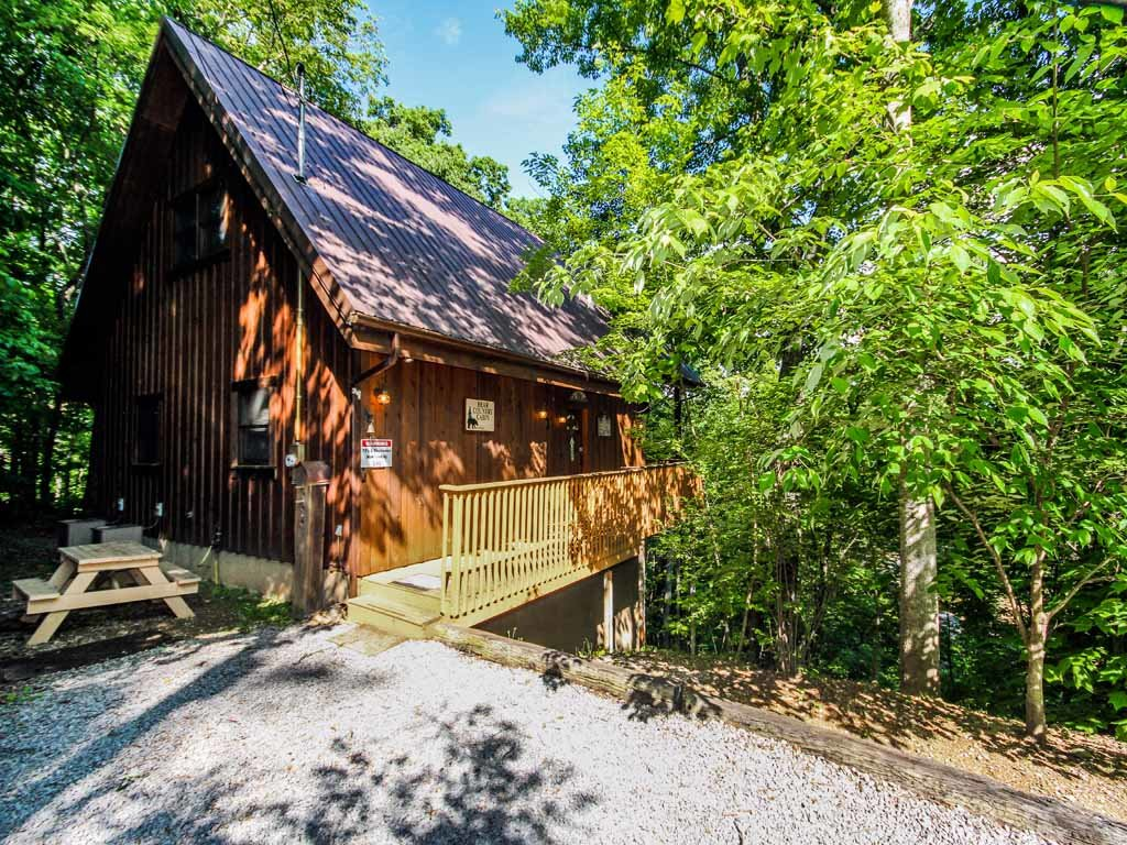 Photo of a Gatlinburg Cabin named Bear Country Cabin - This is the twenty-seventh photo in the set.