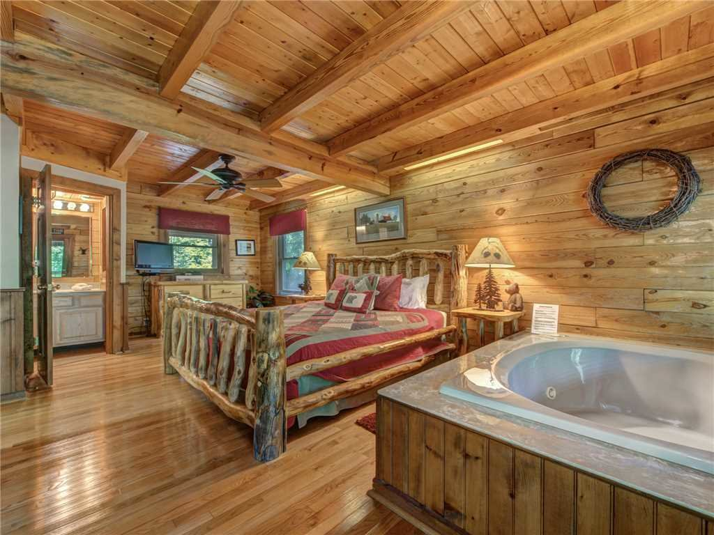Photo of a Gatlinburg Cabin named Buckhorn - This is the ninth photo in the set.