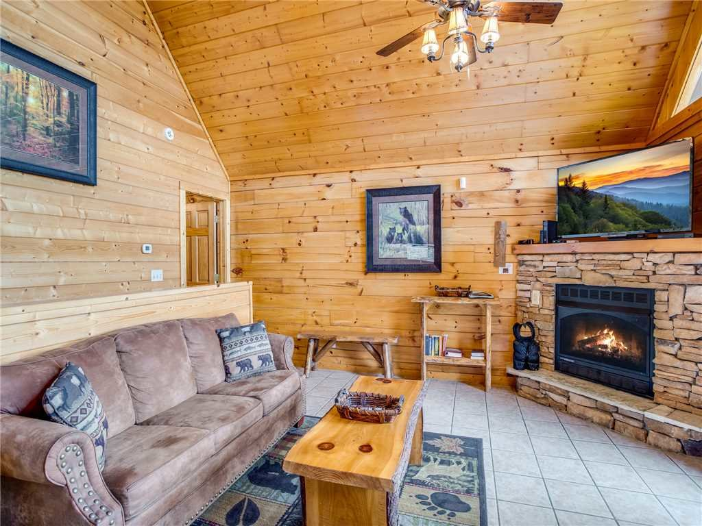 Photo of a Gatlinburg Cabin named Saddle Ridge - This is the seventh photo in the set.