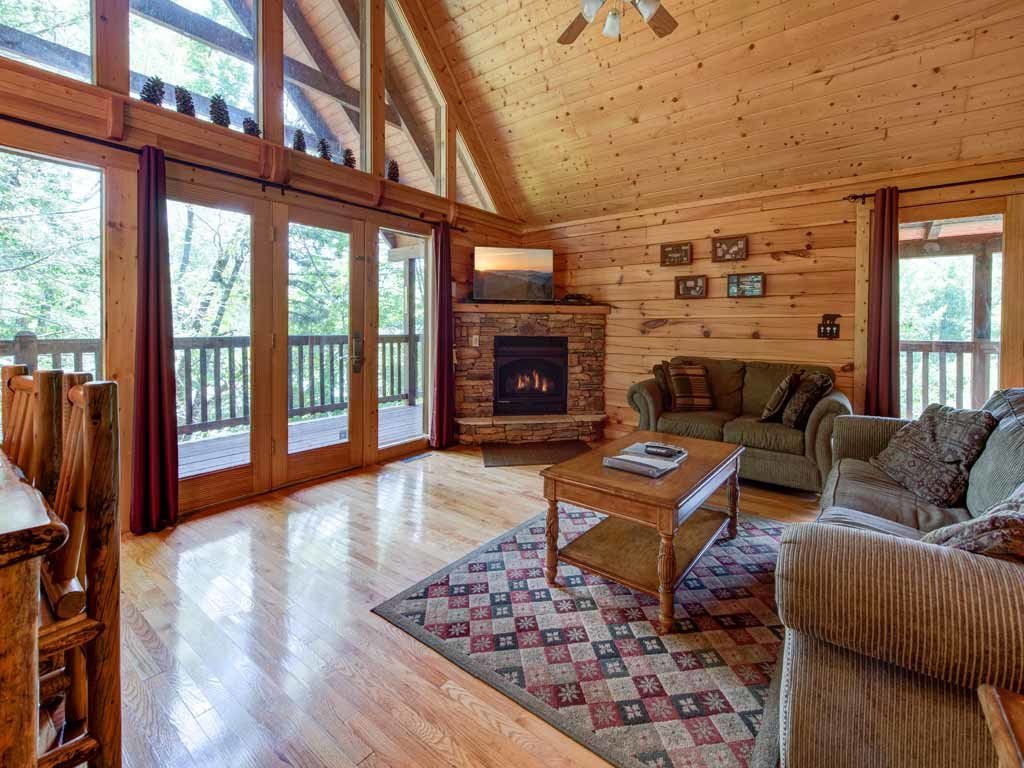 Photo of a Gatlinburg Cabin named Running Bear - This is the fourth photo in the set.