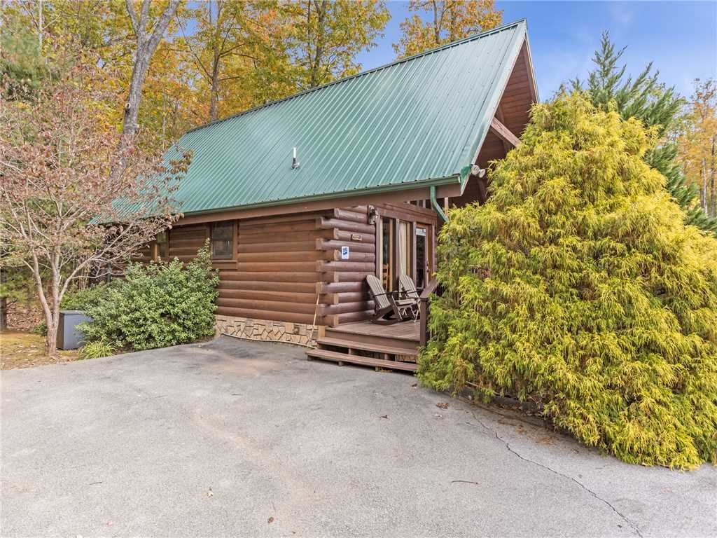 Photo of a Gatlinburg Cabin named Saddle Ridge - This is the twenty-sixth photo in the set.