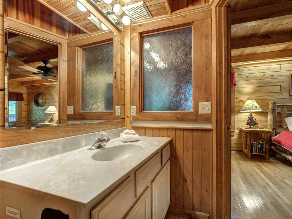 Photo of a Gatlinburg Cabin named Buckhorn - This is the twelfth photo in the set.