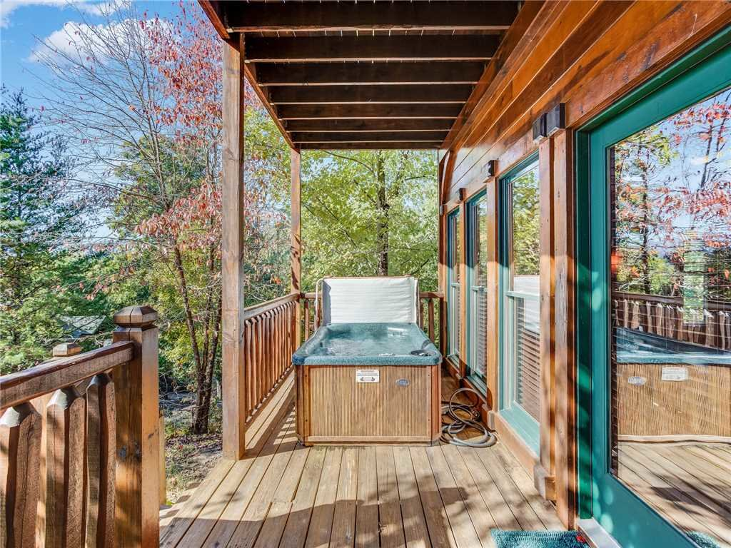Photo of a Gatlinburg Cabin named Heaven's View - This is the second photo in the set.