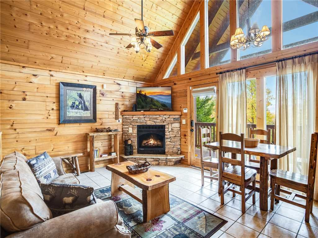 Photo of a Gatlinburg Cabin named Saddle Ridge - This is the eighth photo in the set.
