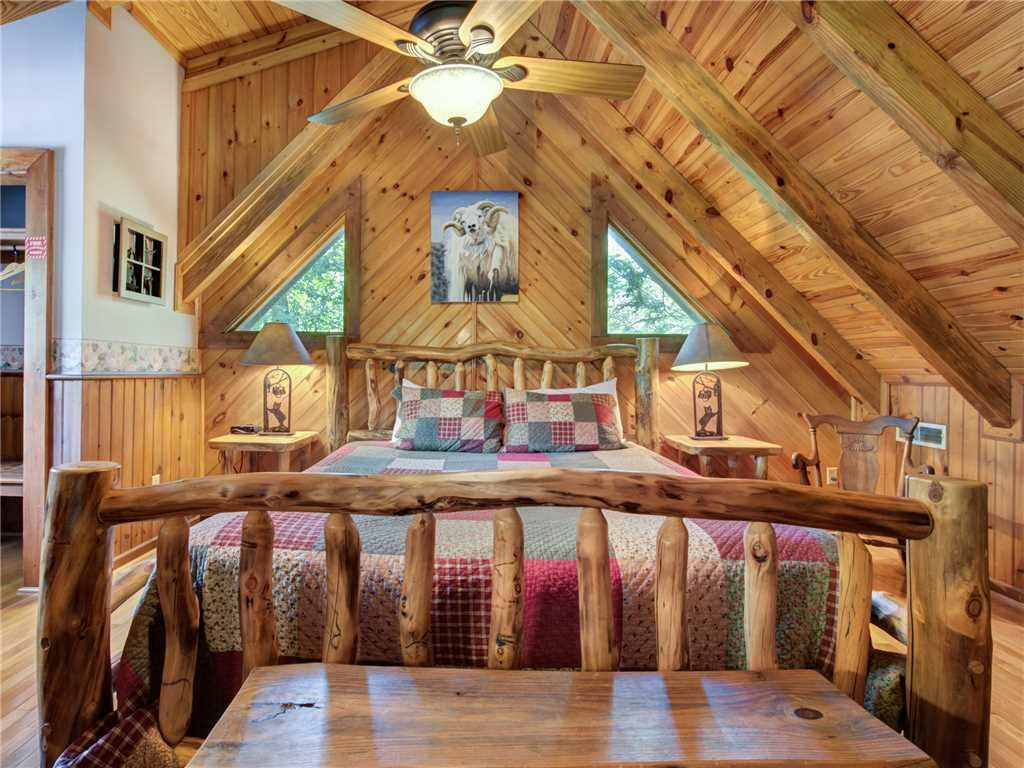 Photo of a Gatlinburg Cabin named Buckhorn - This is the fifteenth photo in the set.