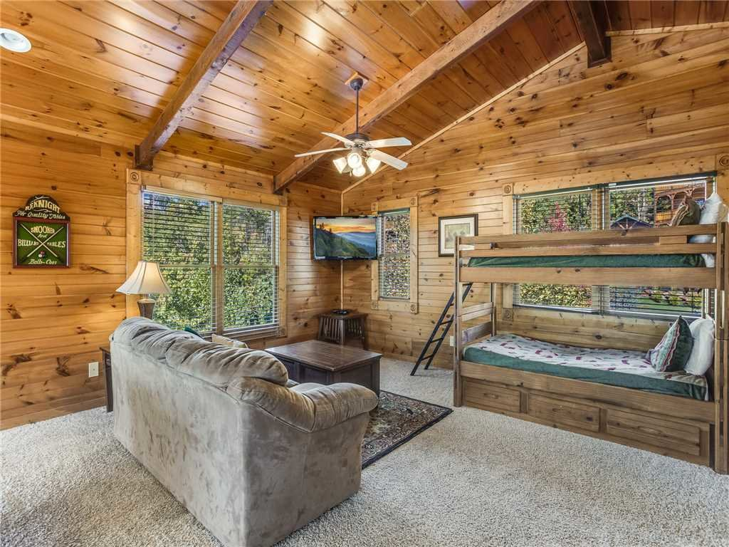 Photo of a Gatlinburg Cabin named Heaven's View - This is the fourteenth photo in the set.