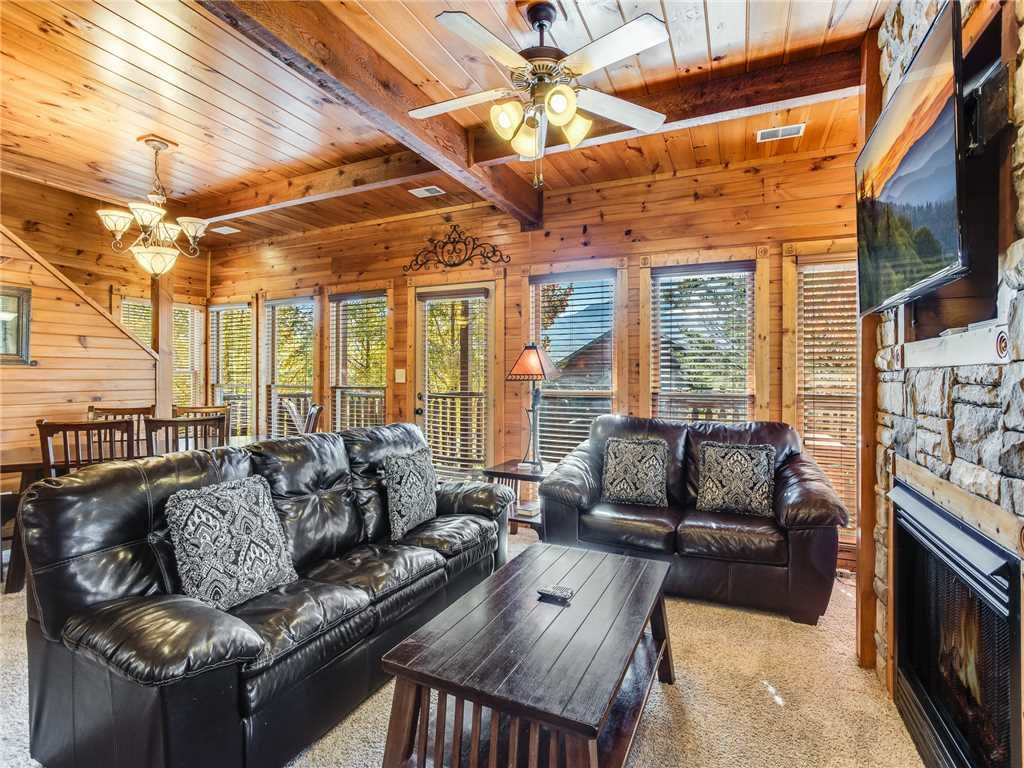 Photo of a Gatlinburg Cabin named Heaven's View - This is the third photo in the set.
