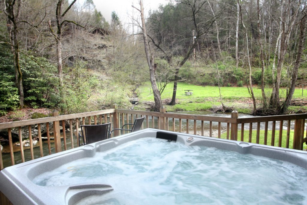 Photo of a Sevierville Cabin named Brook Trout Chalet - This is the second photo in the set.