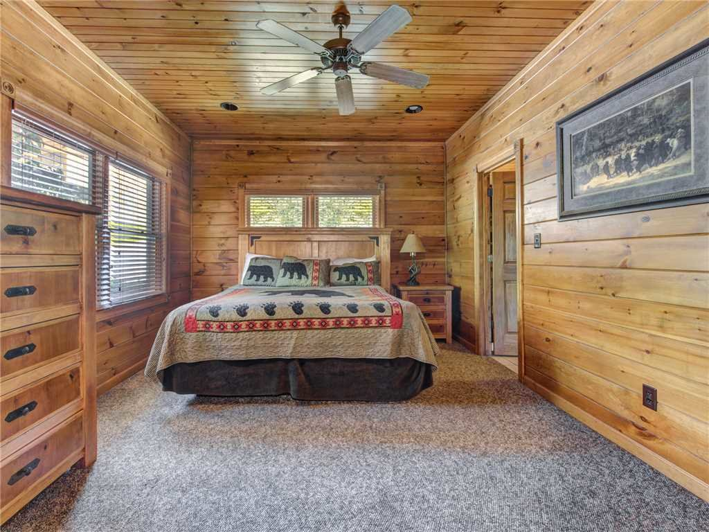 Photo of a Gatlinburg Cabin named Gatlinburg Majesty - This is the twelfth photo in the set.