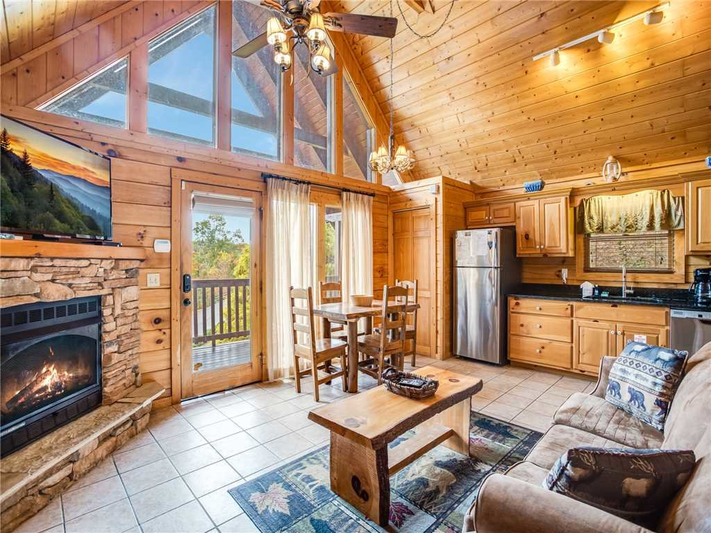 Photo of a Gatlinburg Cabin named Saddle Ridge - This is the fourth photo in the set.