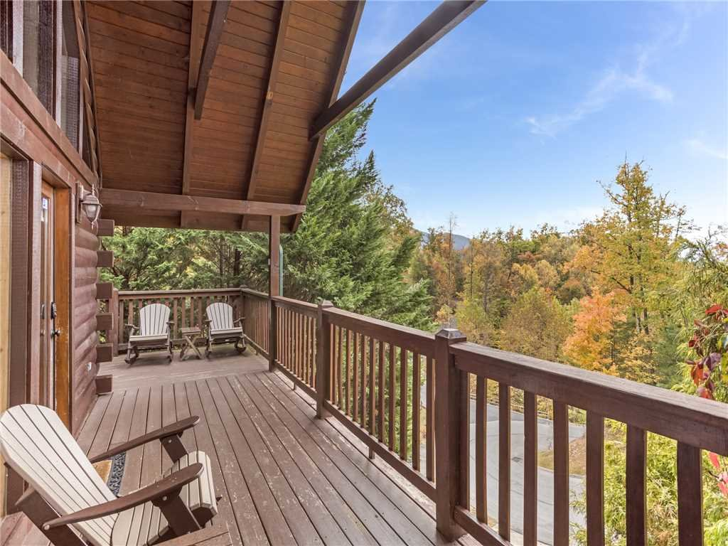 Photo of a Gatlinburg Cabin named Saddle Ridge - This is the first photo in the set.