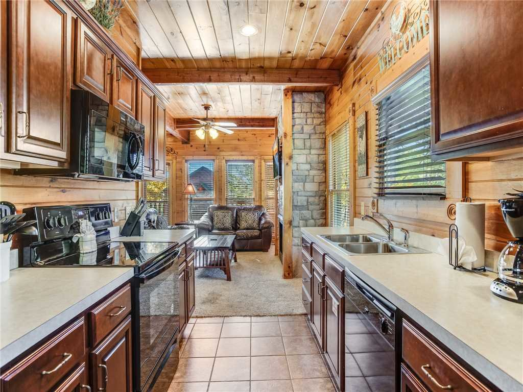 Photo of a Gatlinburg Cabin named Heaven's View - This is the eighth photo in the set.