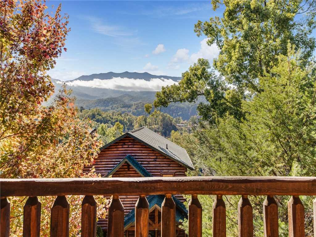 Photo of a Gatlinburg Cabin named Heaven's View - This is the twenty-first photo in the set.
