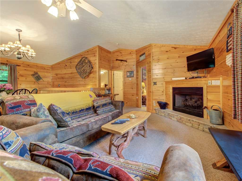Photo of a Gatlinburg Cabin named Great Expectations - This is the first photo in the set.