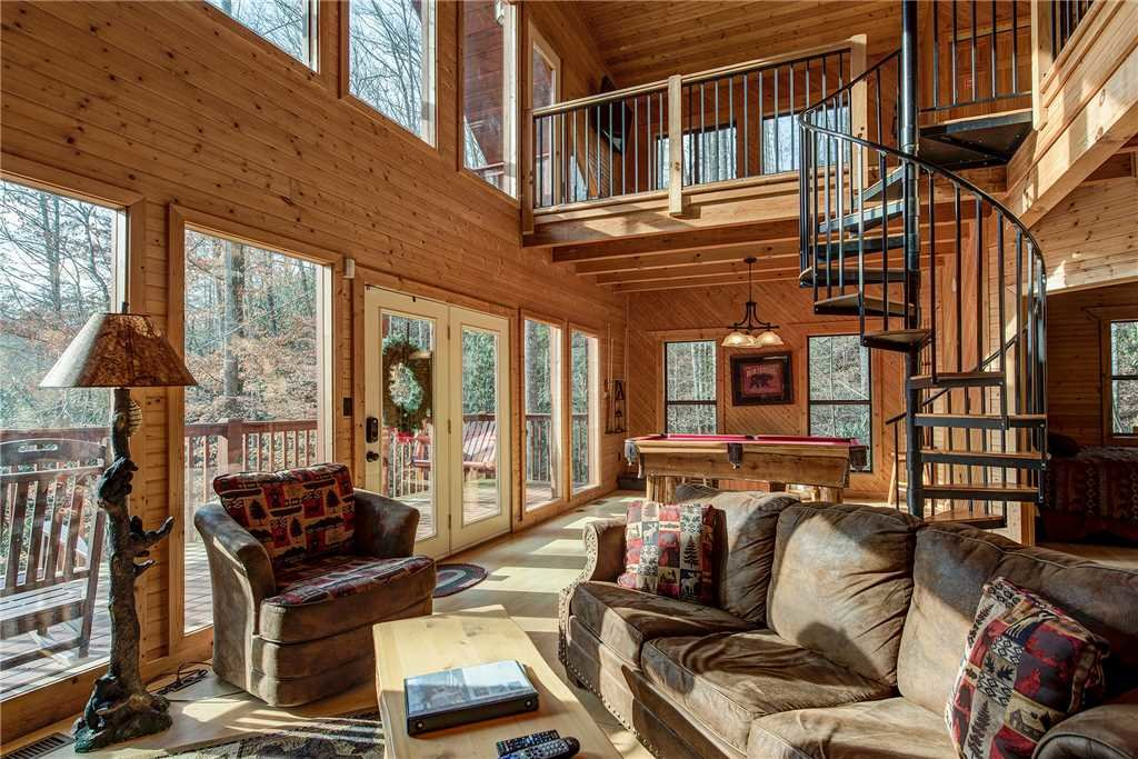 Photo of a Gatlinburg Cabin named Dreams & Streams - This is the third photo in the set.
