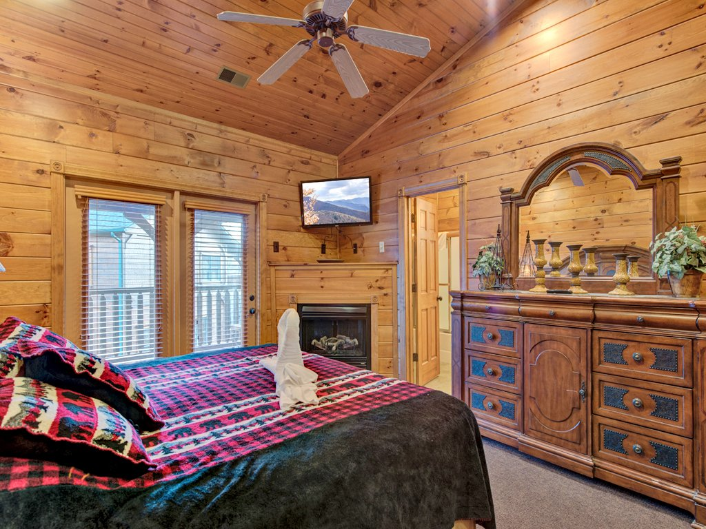 Photo of a Gatlinburg Cabin named The Great Escape Ii - This is the sixteenth photo in the set.