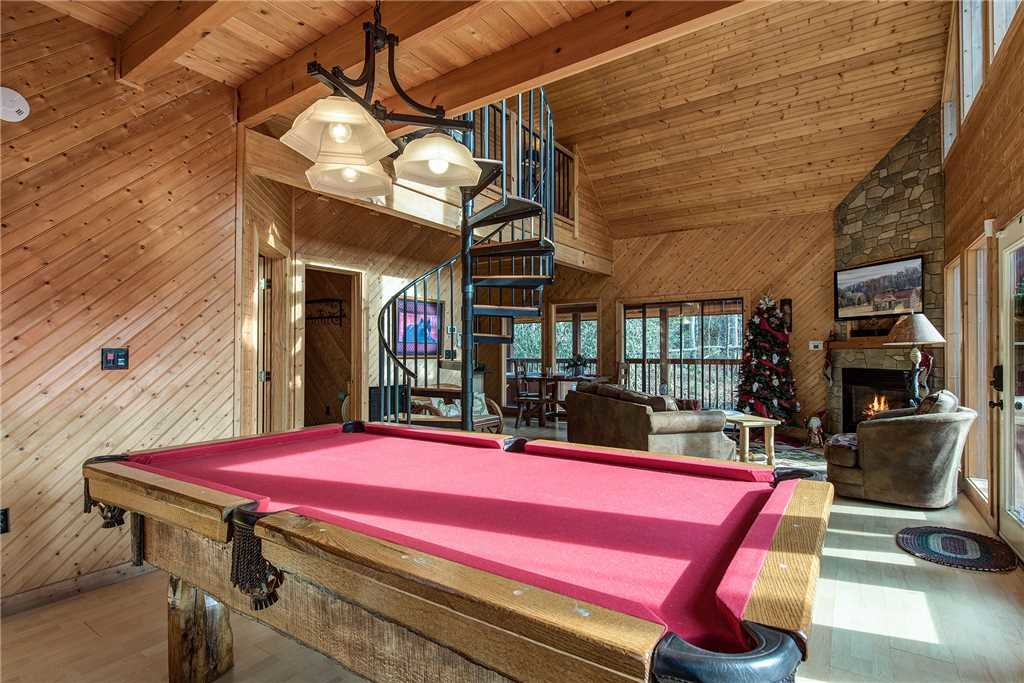 Photo of a Gatlinburg Cabin named Dreams & Streams - This is the seventh photo in the set.