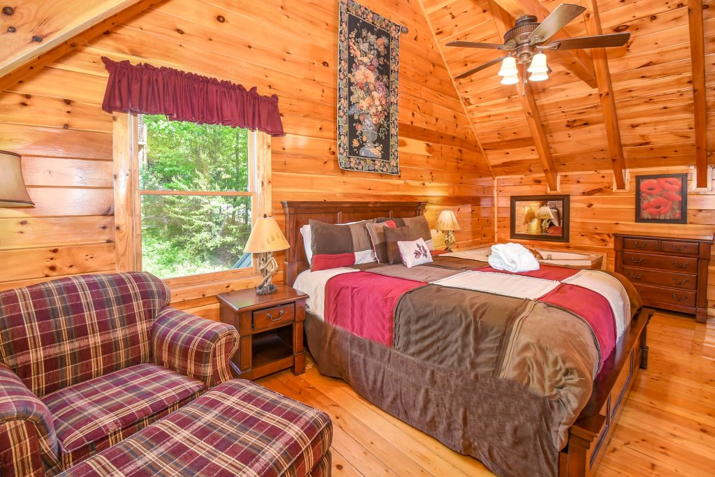 Photo of a Pigeon Forge Cabin named Forget Me Not - This is the twentieth photo in the set.