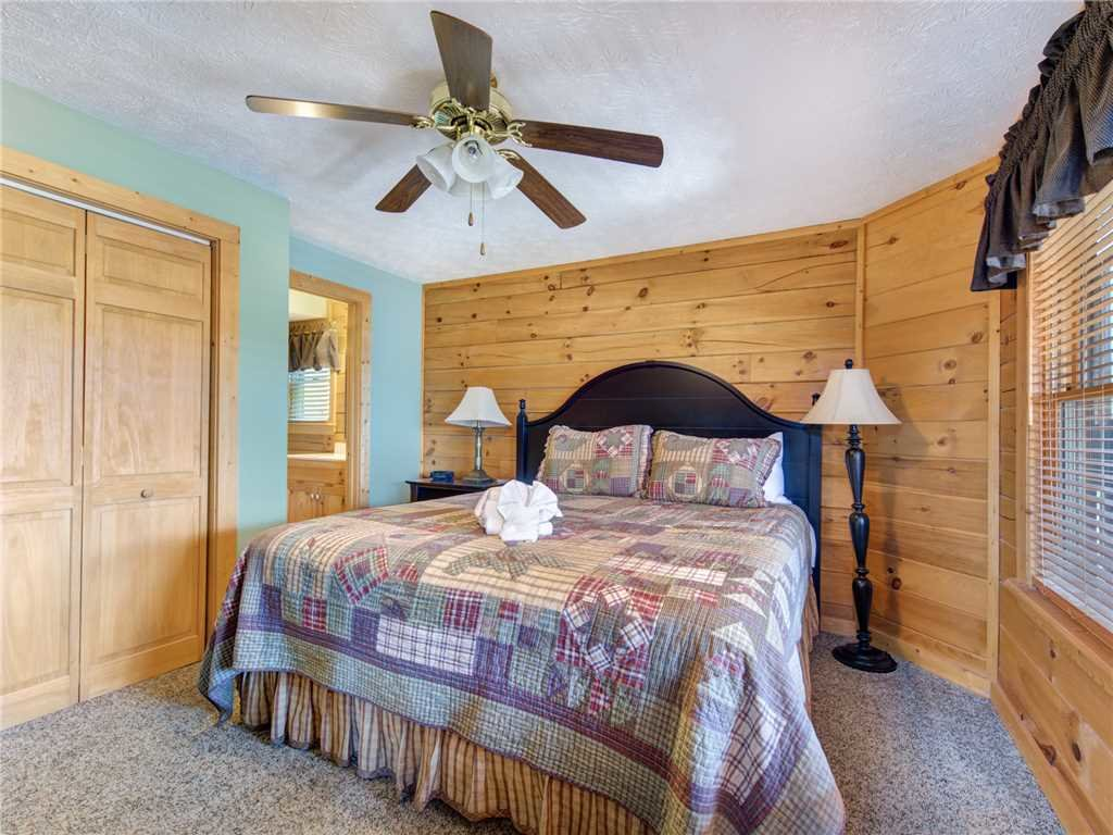 Photo of a Gatlinburg Cabin named Endless View - This is the sixteenth photo in the set.