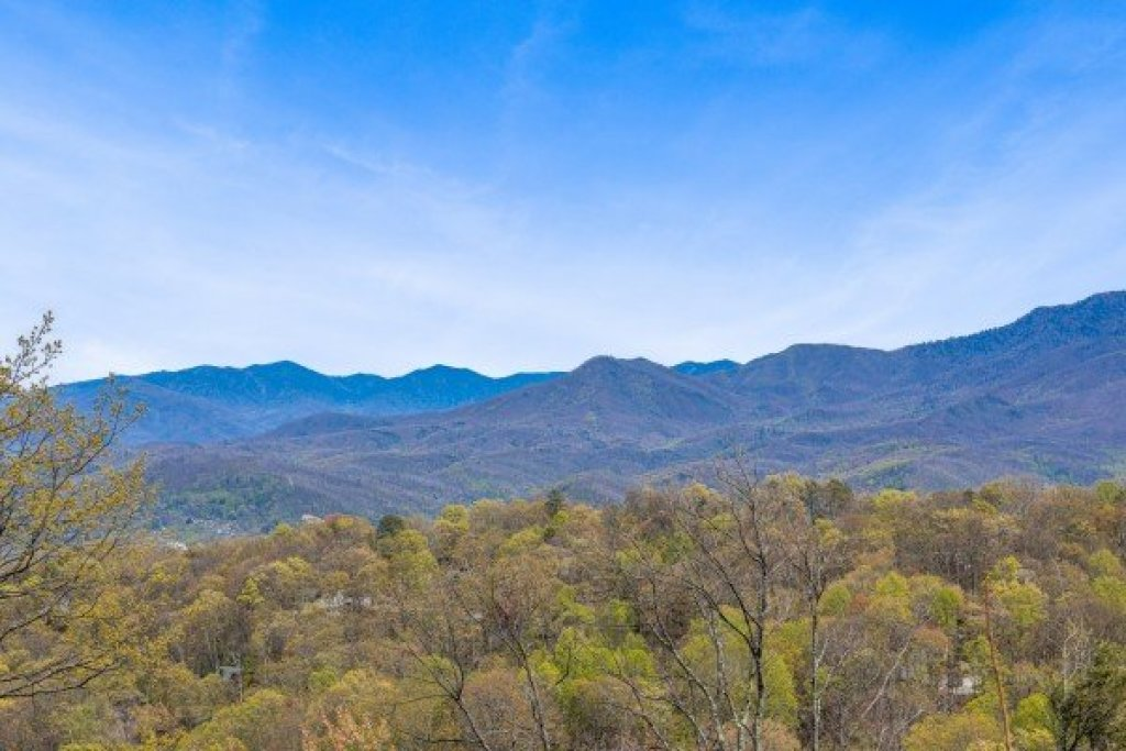 Photo of a Gatlinburg Cabin named Ober The Top Views - This is the thirty-first photo in the set.