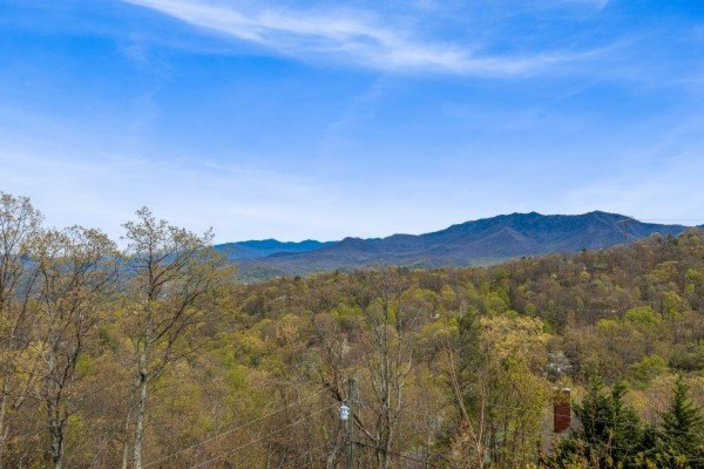 Photo of a Gatlinburg Cabin named Ober The Top Views - This is the thirty-second photo in the set.