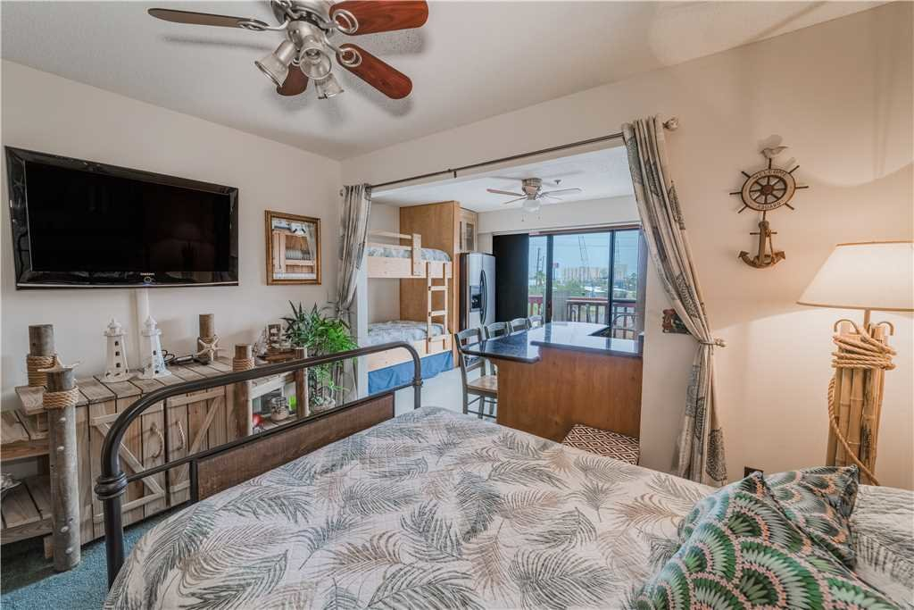 Photo of a Panama City Beach Condo named St Thomas Square 1309c - This is the fourth photo in the set.