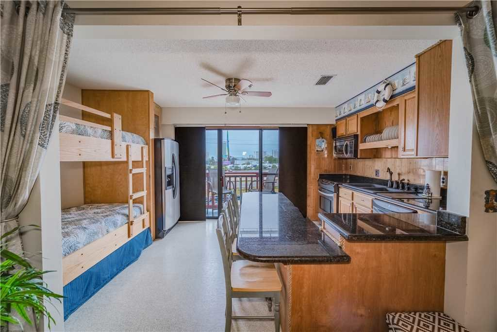 Photo of a Panama City Beach Condo named St Thomas Square 1309c - This is the fifth photo in the set.