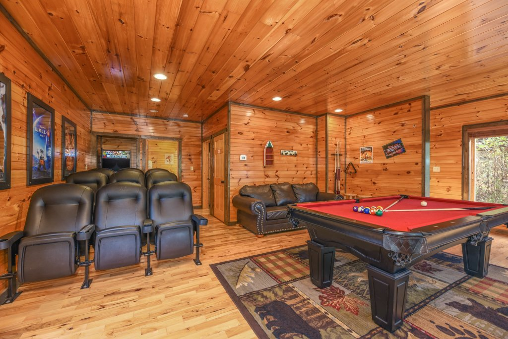 Photo of a Gatlinburg Cabin named Bear's Wilderness Lodge - This is the first photo in the set.