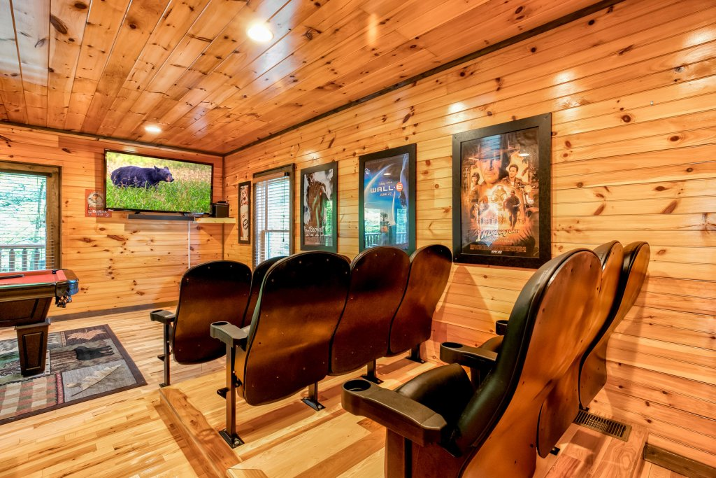Photo of a Gatlinburg Cabin named Bear's Wilderness Lodge - This is the twenty-fifth photo in the set.