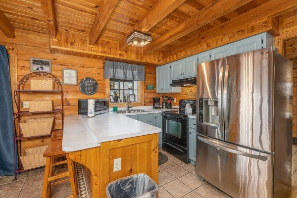 Photo of a Pigeon Forge Cabin named Leconte Nirvana - This is the eighth photo in the set.