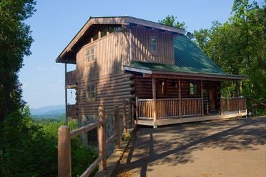 Free Attraction Passes | Gorgeous Views, Fireplace, Hot Tub, Private Cabin