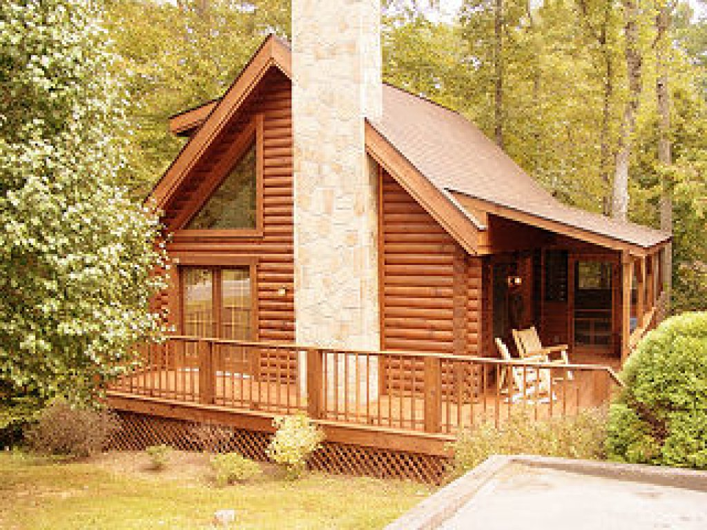 Photo of a Pigeon Forge Cabin named  Three Bears Lodge - This is the first photo in the set.