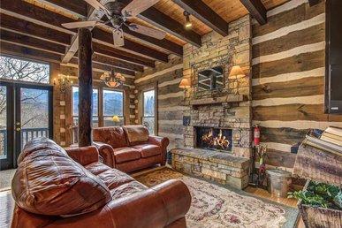 Little Bear, 1 Bedroom, Wood Fireplace, Pool Access, Pool Table, Sleeps 2