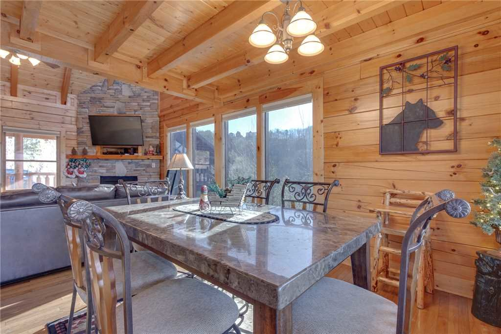 Photo of a Sevierville Cabin named Lookout Ridge - This is the tenth photo in the set.