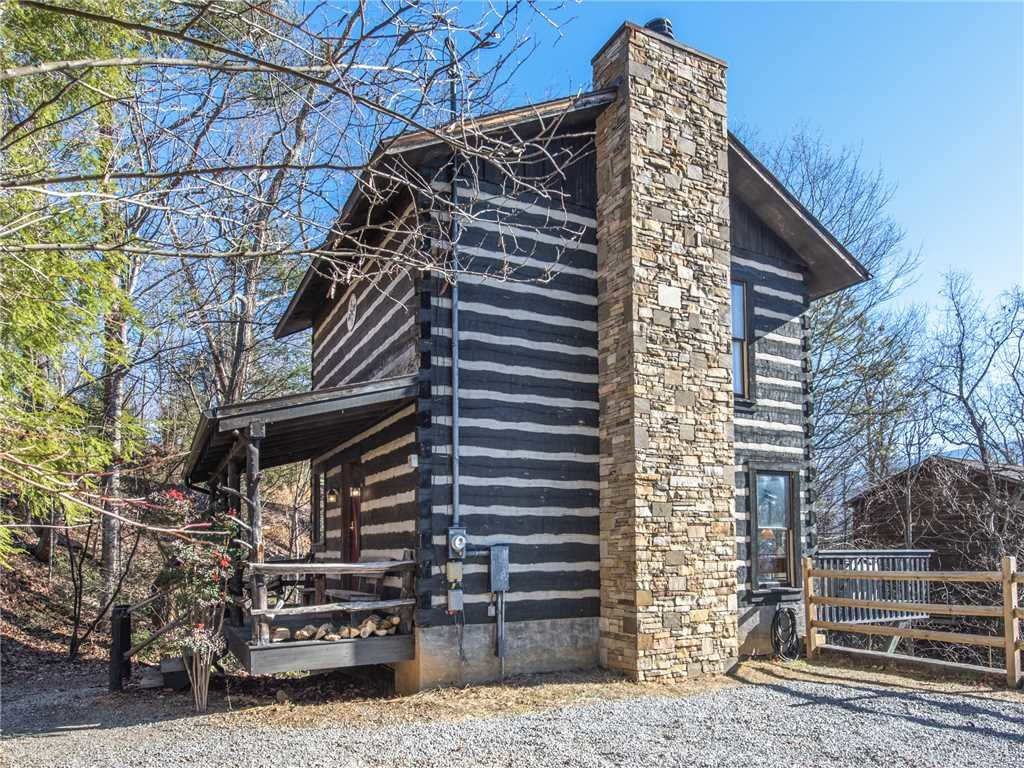 Photo of a Gatlinburg Cabin named Little Bear - This is the twenty-first photo in the set.